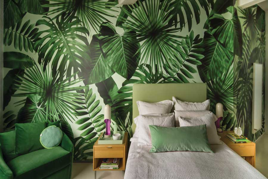 Why More Walls Are Suddenly Wearing Wallpaper